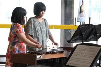 """盛岡パーカッション・アンサンブルに所属する2人によるマリンバとピアノのデュオ """"マリリン"""""""